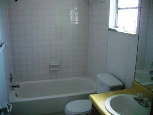 808-12-Bathroom2
